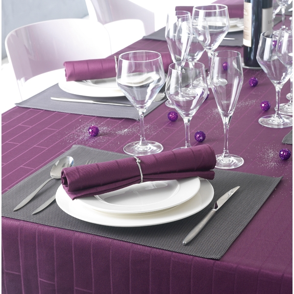 bien choisir ses linges de table. Black Bedroom Furniture Sets. Home Design Ideas